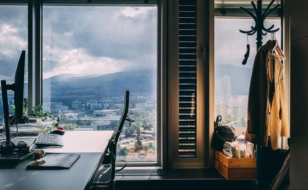 Ideal desk design