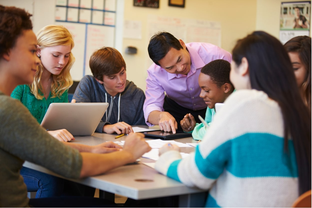 How to use technology to foster higher-thinking skills in class