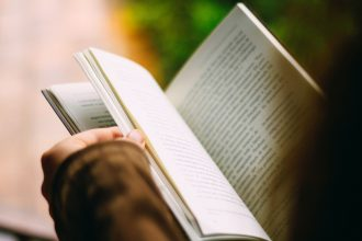 You can reclaim your focus by reading more books — here's how