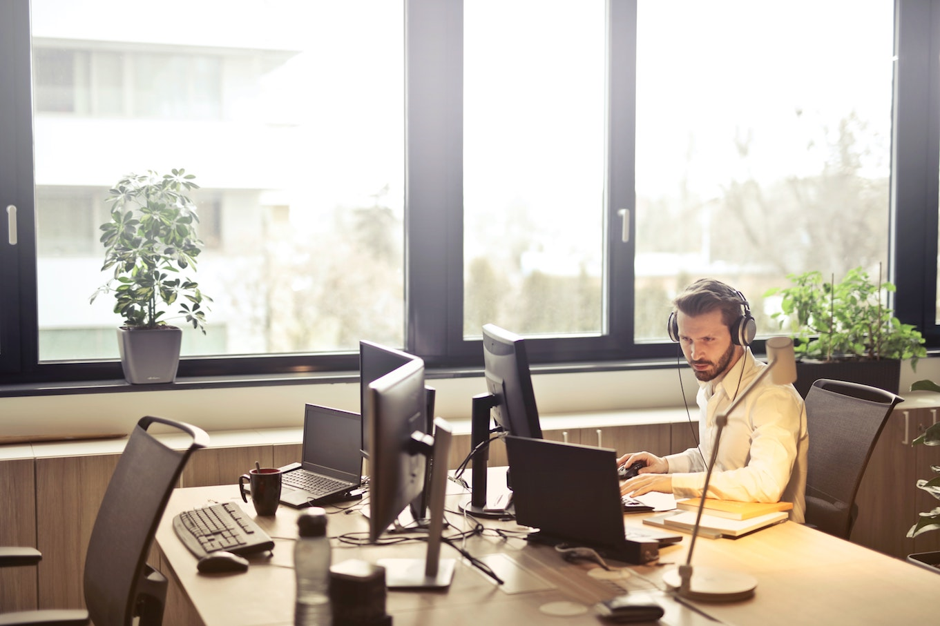 4 ways to stay connected to customers during COVID-19