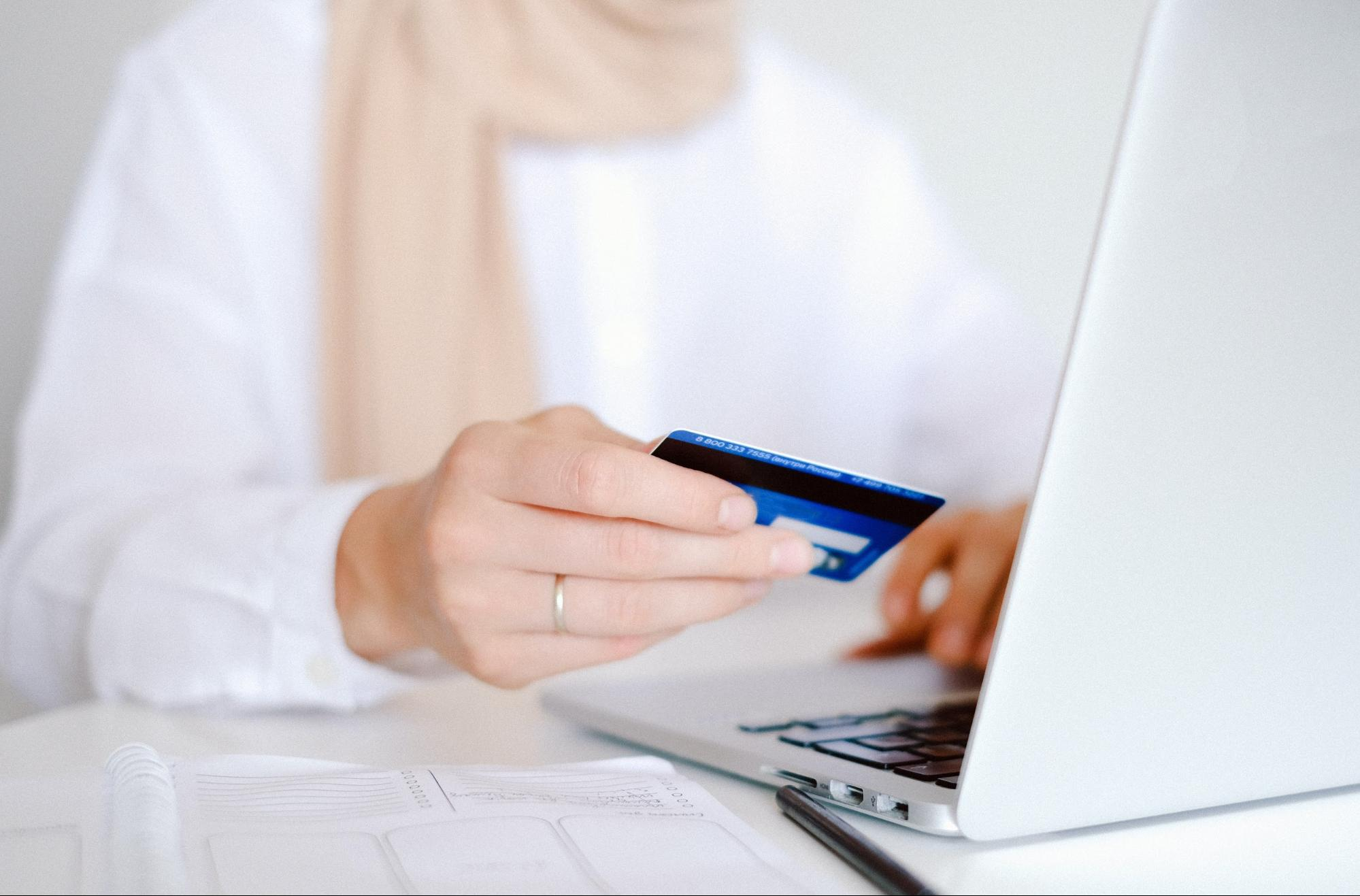 healthcare officer uses hipaa compliant payment processing to receive payments