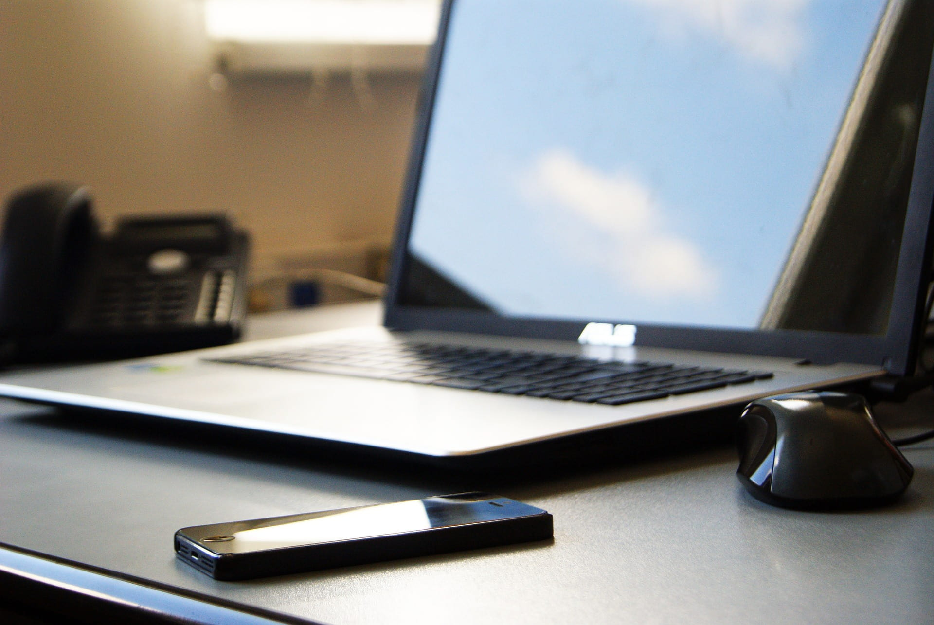 How to convert to a paperless HR department