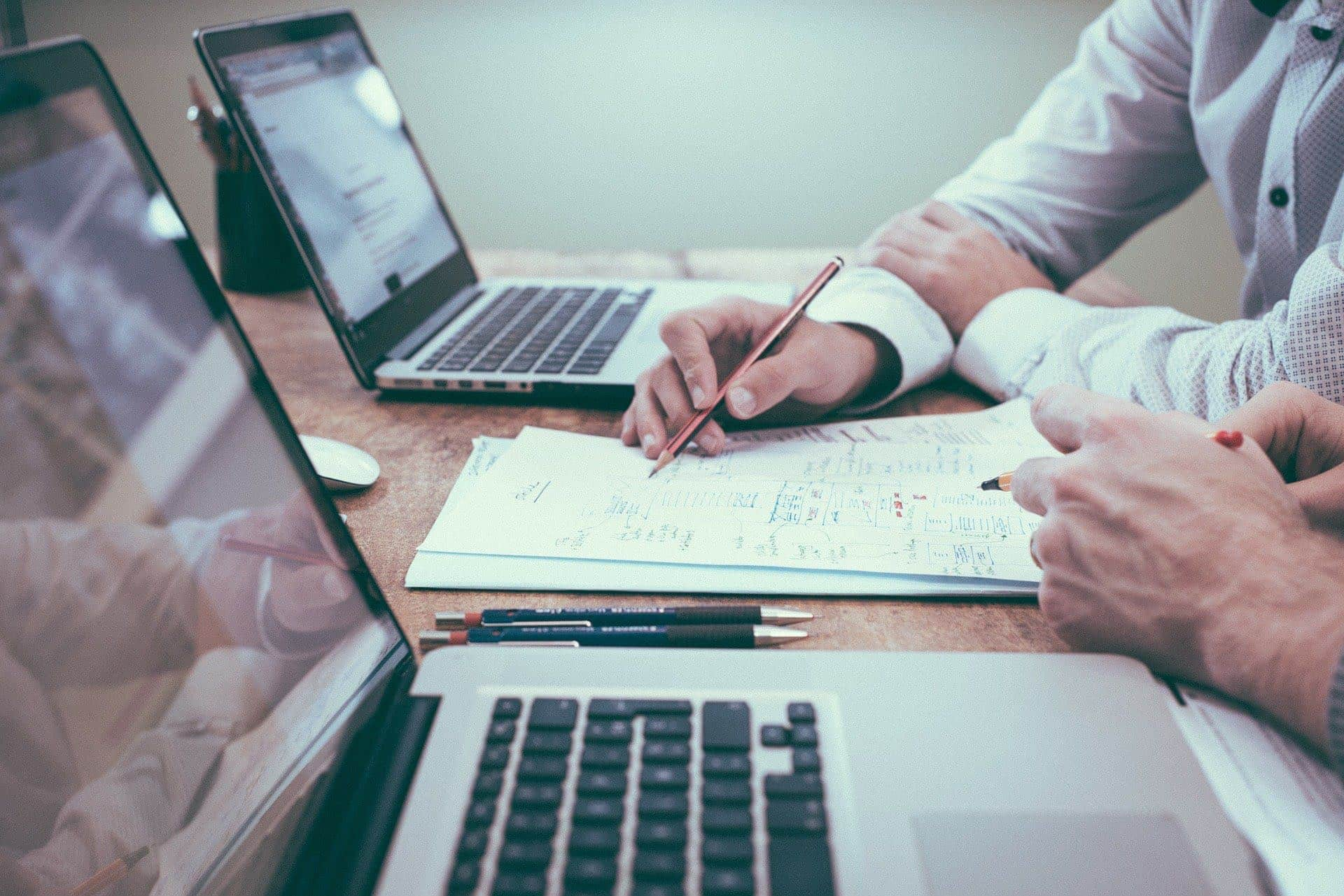 How to track business expenses