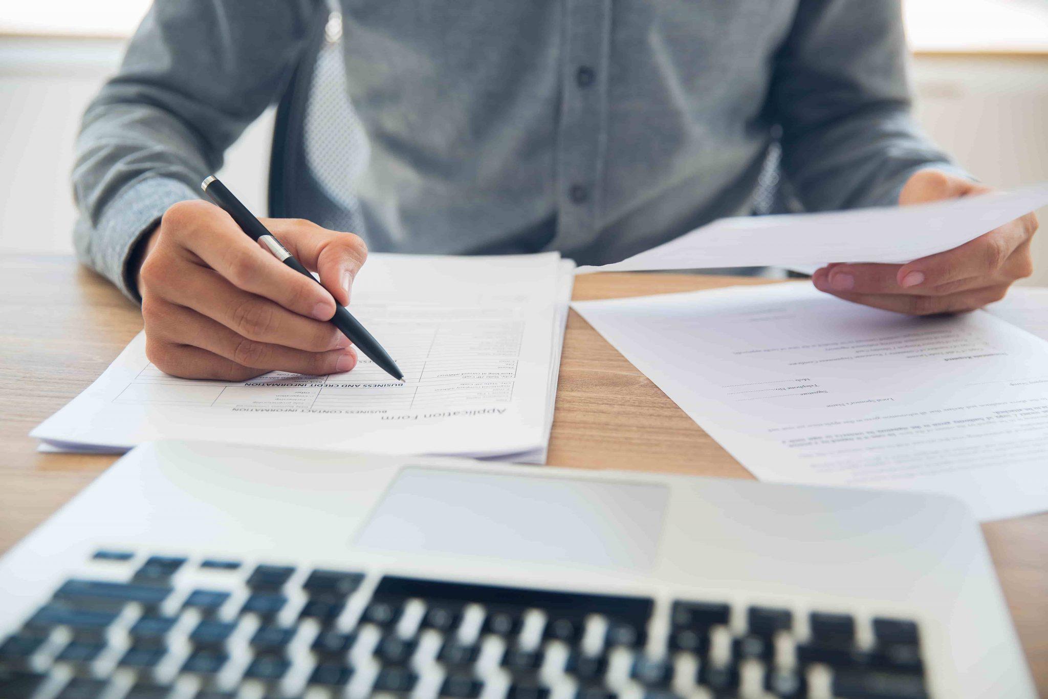 Enterprise content management vs document management